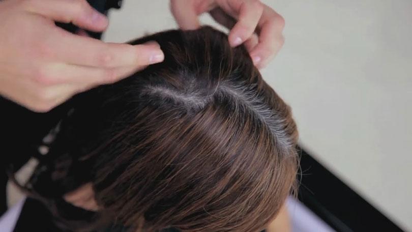 Почему седые волосы чернеют